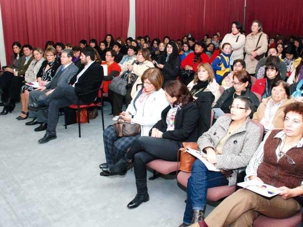 Exitoso Seminario de Emprendimiento Femenino convocado por CREando UBB y SERNAM